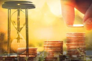 中美消息刺激黄金期货上涨、多头瞄准这一关键水平 机构:黄金、白银、原油和铜最新技术前景分析